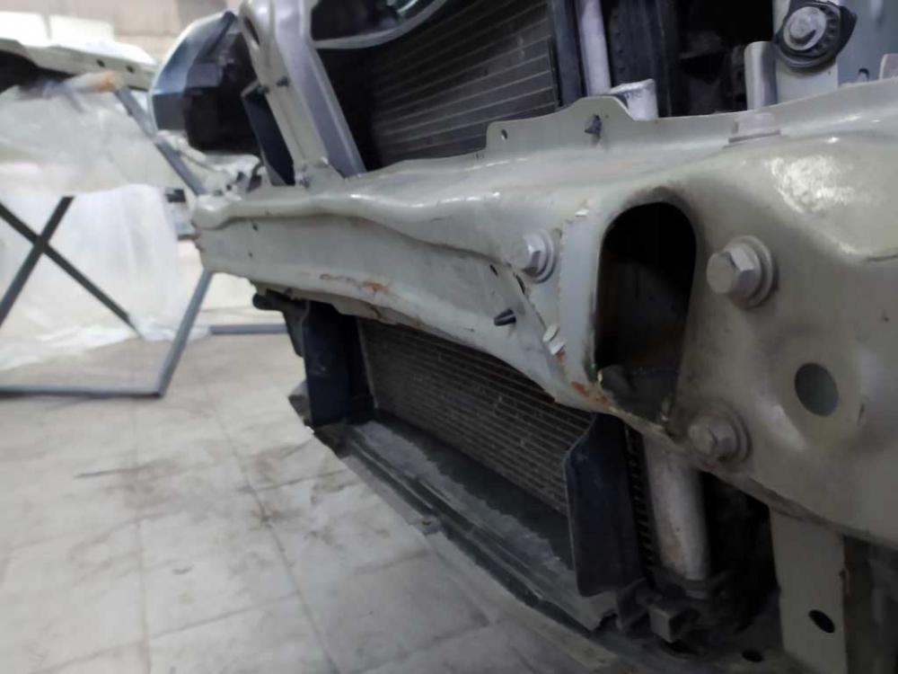 Повреждения передней панели автомобиля