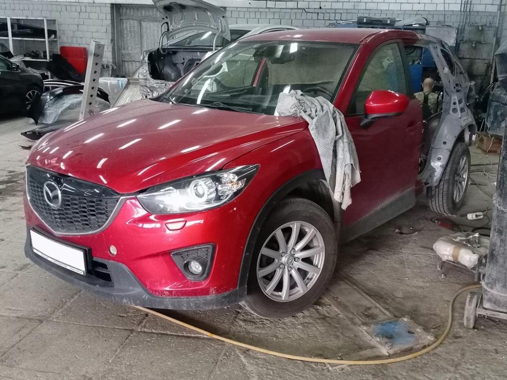 Внешний вид автомобиля в процессе ремонта